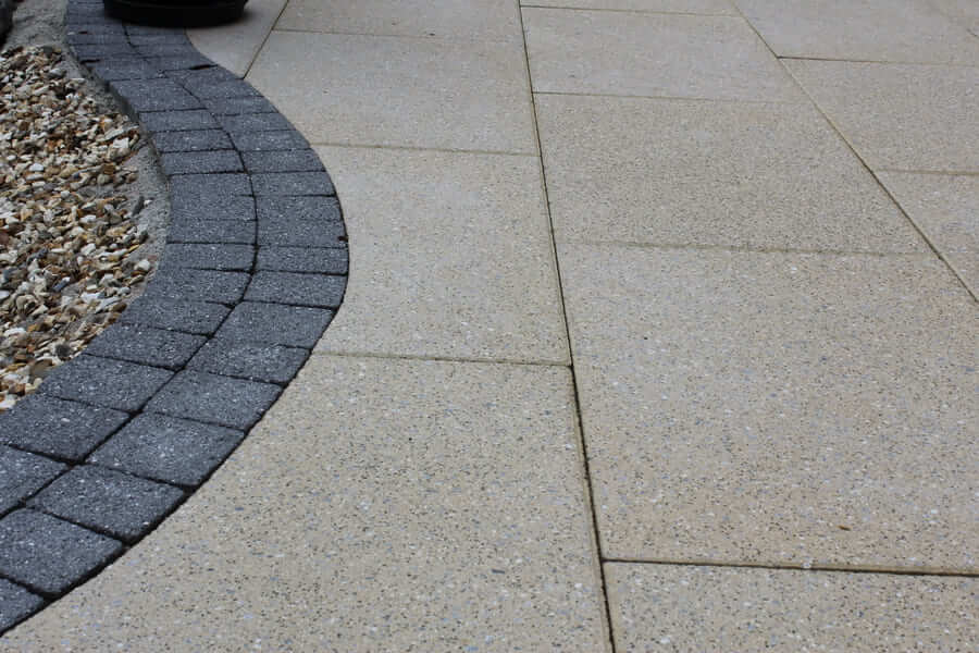Shelbourne Buff Granite & Newgrange Setts Black Granite